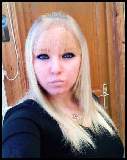 Génération wech wech:: garde la pêche::il te choppe & te baize:: Alors mets toi a laise parce que dans les toilettes publics c'est devenu trop romantique:: Hei ouai dans la vie faut avoir du caractère si tu veux pa finir la gueulle par terre  !!!