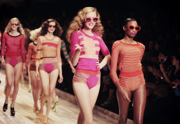Comment assister à un défiler de la Fashion Week ?