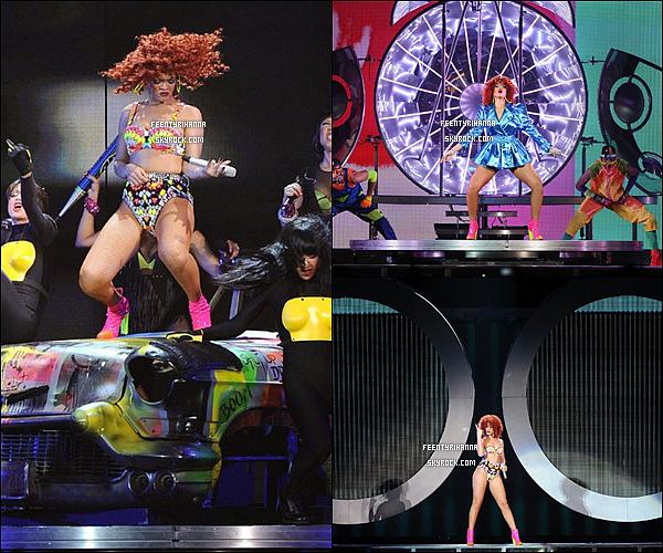. 06/06/11 : Rihanna enchaîne son deuxième concert à Toronto au Canada et a enflammé la scène !.