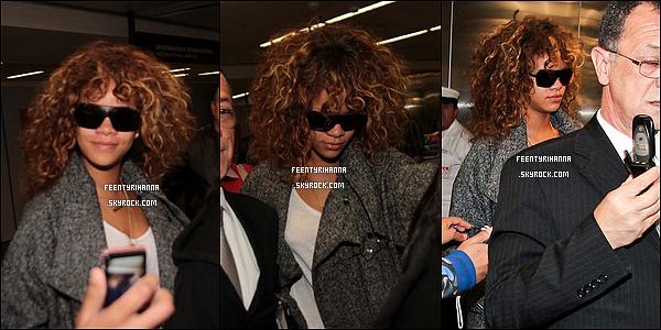 . 16/09/11 : Rihanna est au Brésil pour assurer ses concerts et le Rock In Rio. La voici arrivant à Sao Paulo..