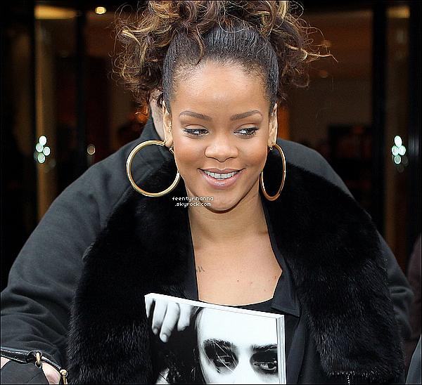 . 19/10/11 : Rihanna Fenty est en France ! Elle a performée hier soir à Lyon pour un show explosif !.