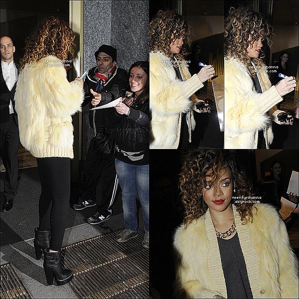 . 13/12/11 : Rihanna, magnifique comme à son habitude, à été aperçut quittant son hôtel à Milan, Italie..