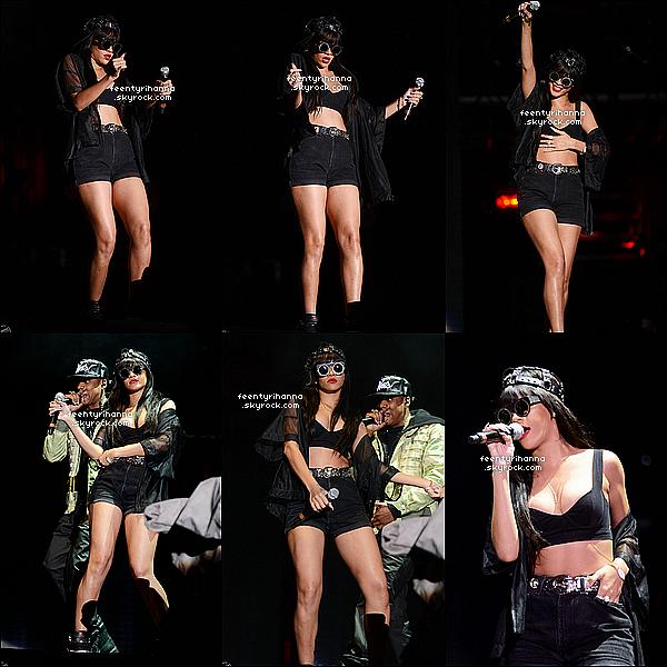 . 23/06/12 : Rihanna a performée sur scène avec Jay-Z au Festival Radio 1's Hackney à Londres. Les deux stars ont performer Run This Town. Et ce soir, n'oubliez pas que ce sera Rihanna Fenty qui chantera durant plus d'1h30 ! .