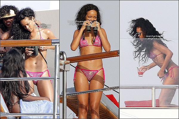 . 26/07/12 : Rihanna est toujours sur son yacht sur les côtes françaises à Eze-Sur-Mer, France. + 27/07 : Rihanna a été aperçut au large de Saint-Jean-De-Luz toujours en France. notre belle Rihanna s'amuse comme une folle !  .