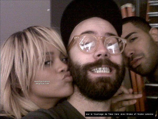 . 08/02/12 : Notre belle Rihanna, très souriante, est allée manger à la pizzeria Mozza, à Los Angeles..
