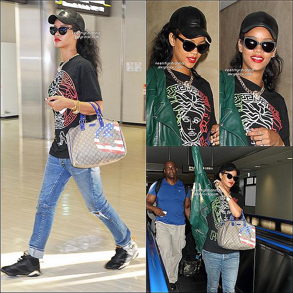 . 16/08/12 : Robyn Rihanna Fenty est arrivée à l'aéroport Narita à Tokyo, au Japon.  + Le 18 août, Rihanna a performée au festival « Summer Sonic » à Osaka au Japon devant des milliers de fans pour l'applaudir !  .