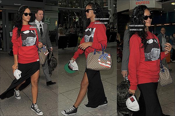 . 27/08/12 : Rihanna Fenty arrivant à l'aéroport de Londres, en Angleterre. Ton avis ?  + Notre magnifique barbadienne a été aperçut arrivant à son hôtel à Londres, dans un style aussi swag que décontracté. Top ou flop ? .