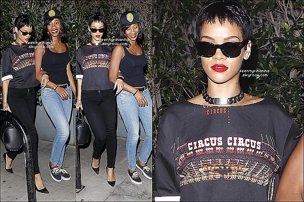 . 14/09/12 : Rihanna est sortie avec Mélissa au restaurant Giorgio Baldi à Santa Monica.  + L'album de Rihanna «Talk That Talk» a été certifié disque de platine aux États-Unis, s'étant écoulé à plus d'un million d'exemplaires. .