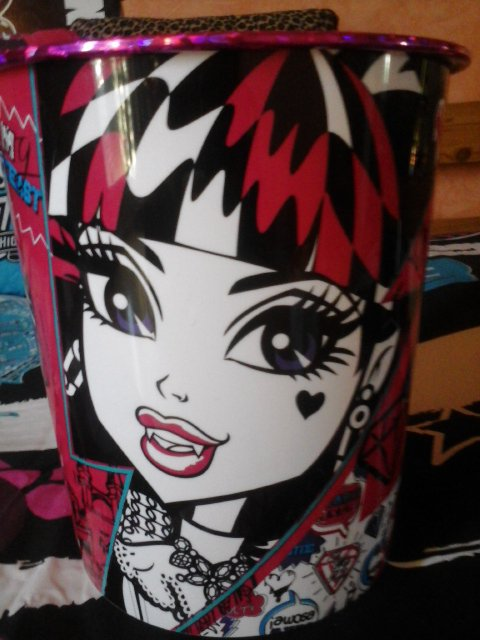 Poubelle Monster High