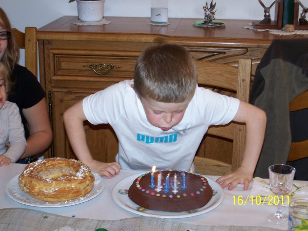 8 ans