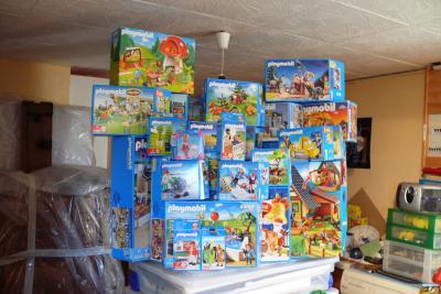 plein de boites que de boites la nouvelle ville des playmobils. Black Bedroom Furniture Sets. Home Design Ideas
