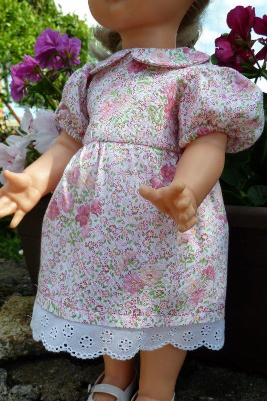 MARS 2002 VESTIAIRE POUR EMILIE