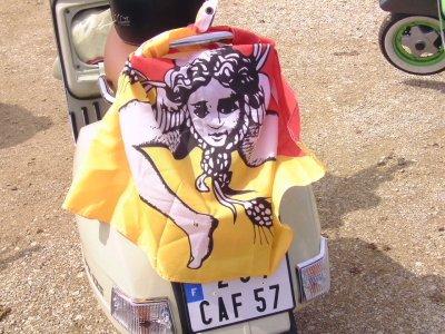 """PAT de Metz avec son PX 125, belle couleur """"panna cotta""""  au couleur de la Sicile ! C'est avec la complicité de Pat, qui nous assure la permanence quasi quotidienne de l'actualité de notre Club sur Facebook (pour cela vous devez créer un compte) sous le nom : Vespa Club Metz, merci à toi Pat."""