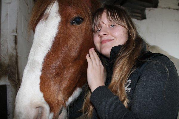 Parce que l'amour entre un cavalier et sa monture est plus fort qu'un mur en béton . ;)♥