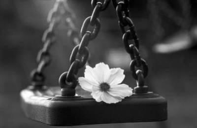 """""""La tristesse vient de la solitude du coeur."""" Montesquieu"""