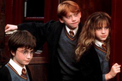 Tout d'abord, les trois héros principaux: Harry Potter, Ronald Weasley et Hermione Granger