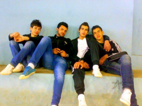 •••(__•--♥ DuTsh &Chiirif & JaMàl & Me♥--•__)•••