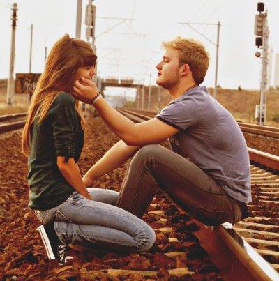 """""""C'est pas comme si mon coeur devenait fou de toi dès que je te vois. Non,c'est bien pire que ça."""