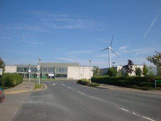 L'université et son éolienne