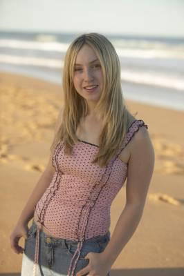 Stéphanie Lake joué par Sophie Bennet