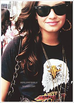 Films et albums de Demi. As-tu déjà vu certains de ses films? As-tu ses albums? Dis-moi tout!