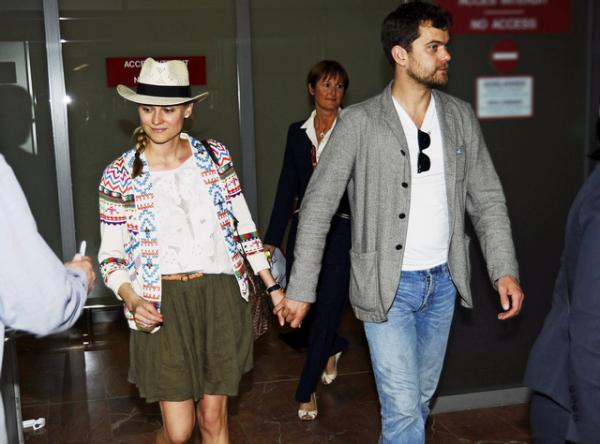 11 Mai 2011 - Diane et Joshua arrivent à Cannes