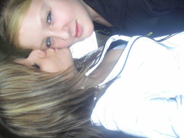 moi et ma soeur :)