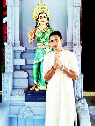 moi au temple