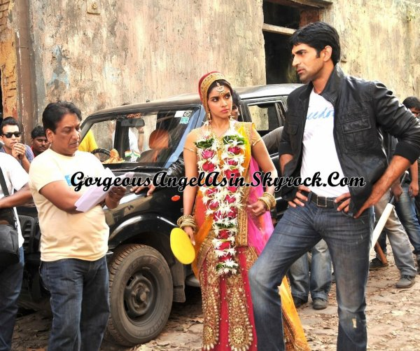 Asin on the sets of Khiladi 786