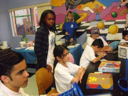 Prince,Paris et Blanket visitent un centre pour familles demunies