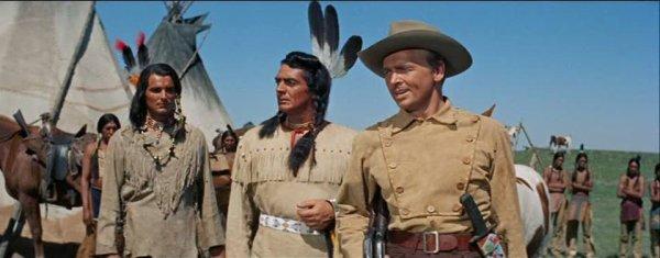 Victor Mature est Grazy Horse en 1955 au cote de John Lund dans unl film de  Goerges Sherlan