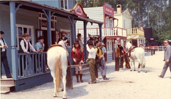 l'anciens saloon de la vallée avent l'incendie en 1972