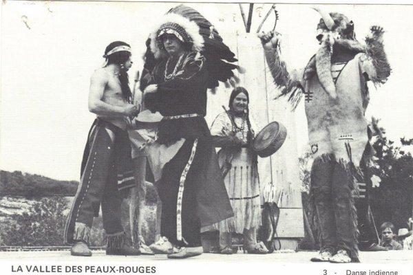 avec son tambour une des grande figure de la vallée Madame Suzanne Facon