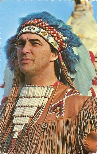 Dans les années 1950  Max Gros Louis Grand Chef One-onti des Hurons Réserve Amérindienne située a 9 milles de Québèc