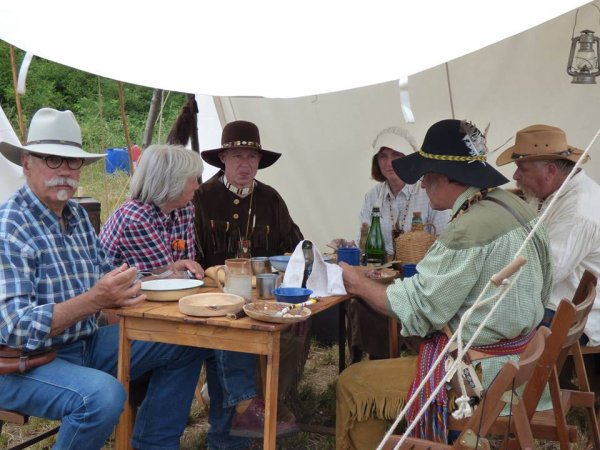 le clan des trappeurs a Valdiviennes 2015 1