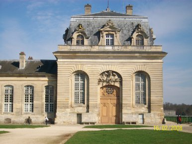 CHANTILLY : SUITE DES GRANDES ECURIES (on fait le tour !) :