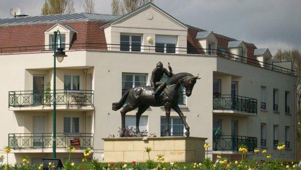 VISITE DE Lamorlaye tout près de Chantilly (temple du cheval de courses) Parc du château : tout çà pour vous donner envie de venir dans ma région Amitiés à tous :-) Jenny.