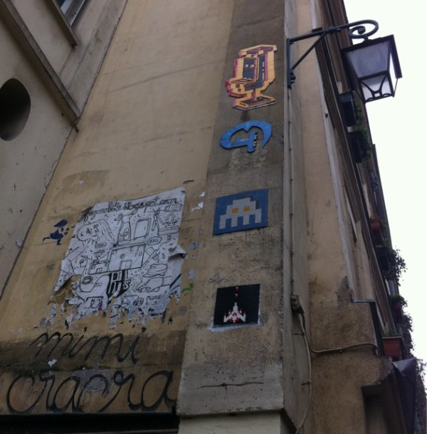 street art - space invader