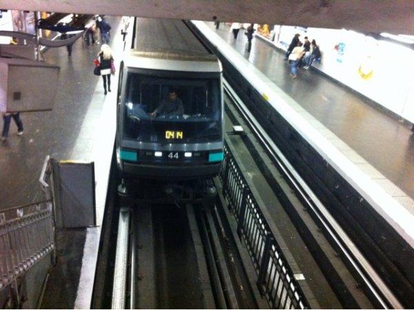 MP89 CC ligne 4 du metro
