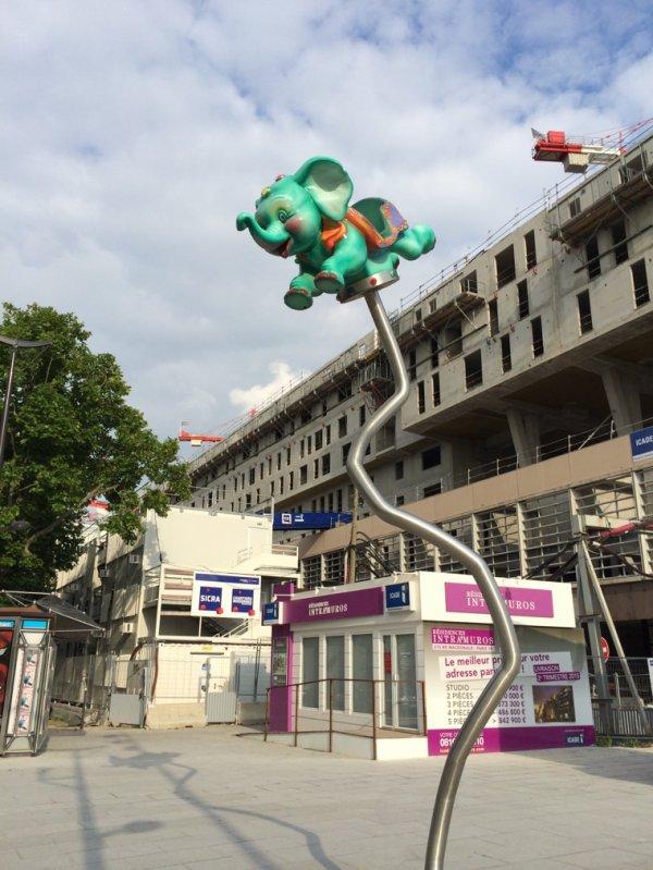 Au secours, j vois des éléphants volants !