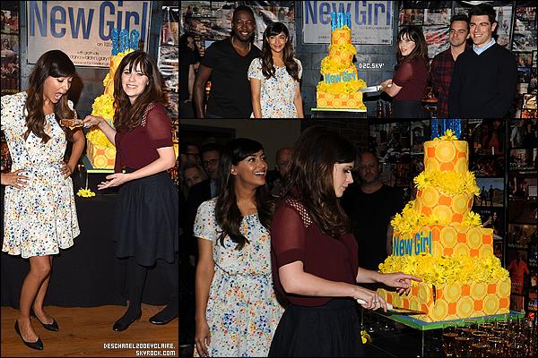 . 02/12/2015 : Zooey et le cast de New Girl célébraient le 100e épisodes de la série à Culver City.  Et de 100 ! Le cast étaient réunis pour célébrer. La série reprend dans 29 jours ! 9 titres d'épisodes + une promo sont sortis !  .