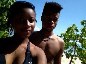 A la plage en gwada (: