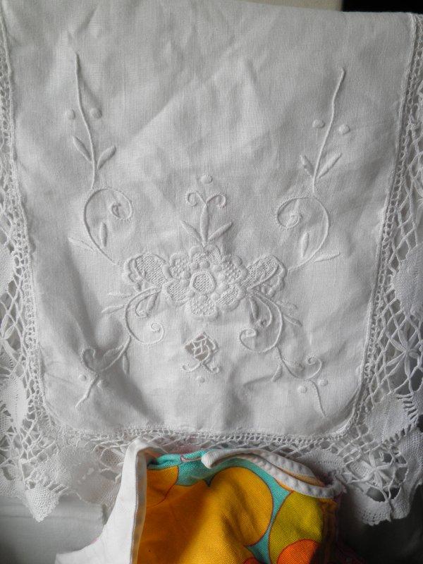 Vide grenier du dimanche 28/08/2011 avec une Cathie habillée !!