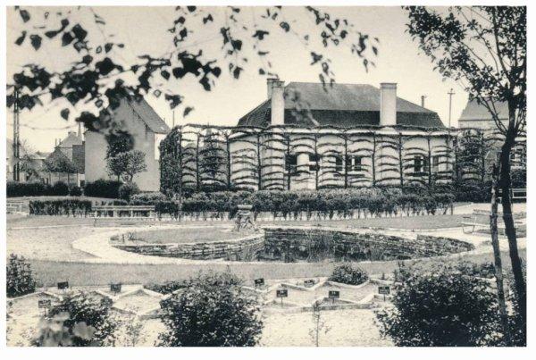 LESSINES - Endroit où se trouve actuellement le bassin de natation.
