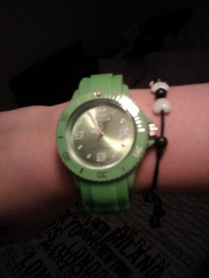 Montre ice watch véritable neuve valeur 99.oo .
