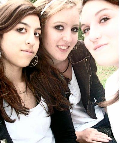 """""""L'amitié n'a pas d'âge ni de temps; Elle peut naître comme elle peut mourir à tout moment. """""""