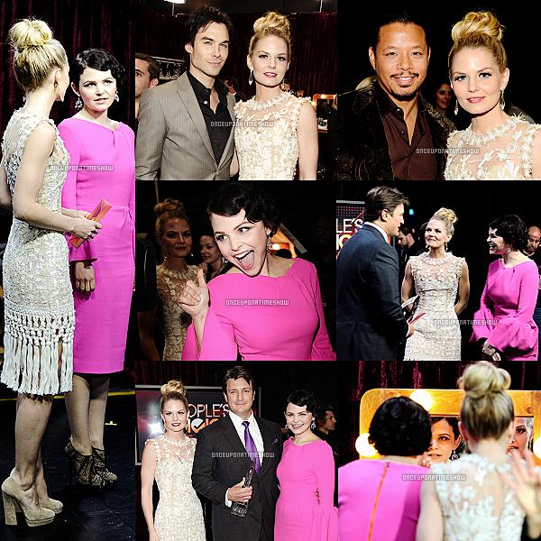 EVENEMENT : Le 11 Janvier 2012, Ginnifer Goodwin, ainsi que sa co-star Jennifer Morrison, ont été toutes deux à la cérémonie des People's Choice Awards, qui se déroulait à Los Angeles. Nos deux belles femmes ont notamment posé avec Nathan Fillion (de la série Castle), Ian Somerhalder (Vampire Diaries) et d'autres célébrités.  STAR'S STYLE : Ginnifer : Pour la coiffure, personnellement, j'aime bien. Après pour la robe, le rose lui va bien mais pas la robe qu'elle a choisi. Jennifer : Les chignons comme ça, ohlala, j'aime complètement. La robe, je la trouve assez belle, mais je l'aurai adoré si il n'y avait pas eu les franges en bas.