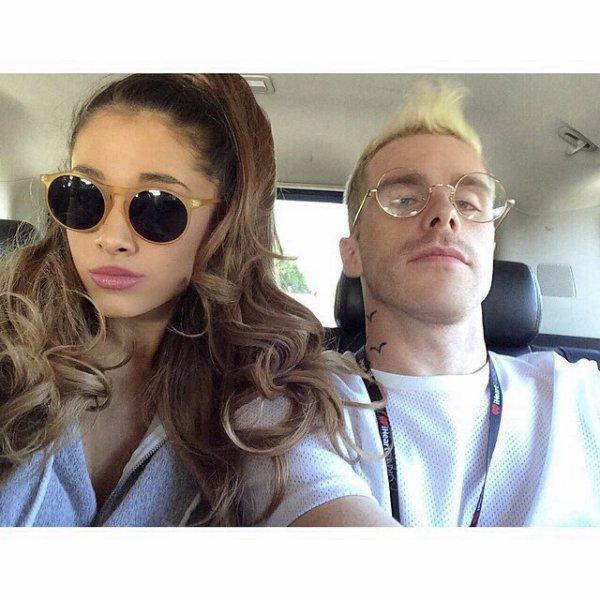 Selfie d'Ariana et d'un de ses danseurs 31/05/14