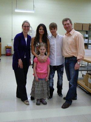 Selena à  Rhéo Thompson avec justin