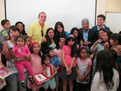 Selena rencontre avec les fans au Chili (UNICEF)